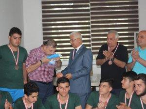 Türkmen takımı ilimizde turnuvaya katıldı