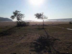 Vatandaşlar uyarıları dinlemeyince plaja şerit çekildi