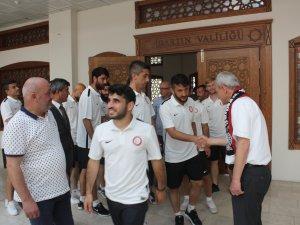 Vali Dirim, Bartınsporlu futbolcularla tanıştı