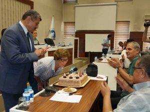Belediye Meclisi'nde doğum günü sürprizi