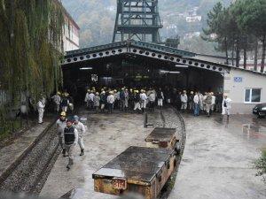 Maden İşçilerinden Ocaktan Çıkmama Eylemi