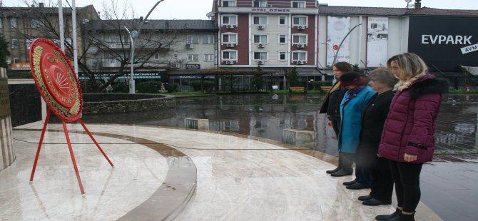 CHP'li Kadınlar, Kadınlar Gününü Atatürk'ün huzurunda kutladı