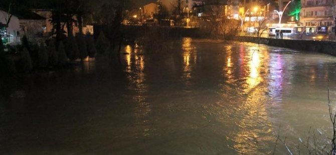 Bartın Irmağı'nda su seviyesi yükseldi
