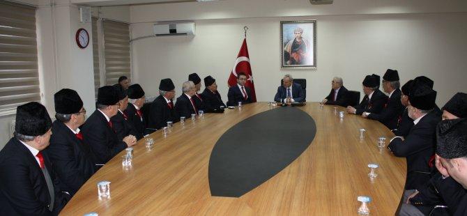 Kıbrıs Gazilerinden Mehmetçik Vakfı'na destek