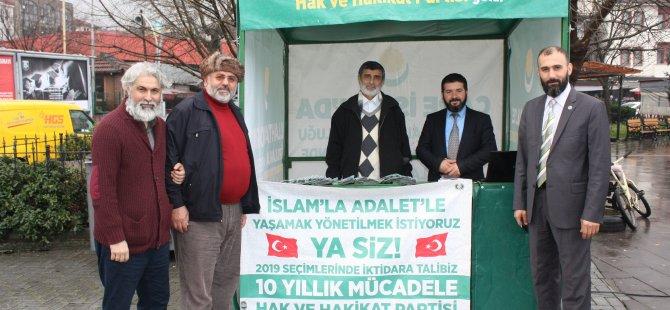 Hak ve Hakikat Partisi 3 gün boyunca açtığı stantta üye çalışması yaptı