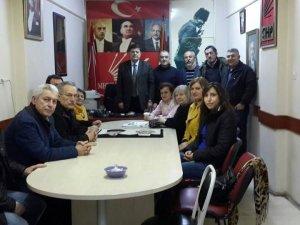 Yalçınkaya, partililerle yeni anayasayı görüştü