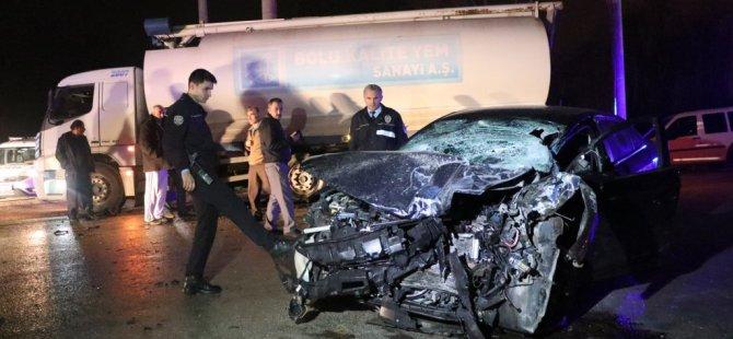 Bolu'da Otomobil İle Kamyon Çarpıştı: 2 Ölü, 1 Yaralı