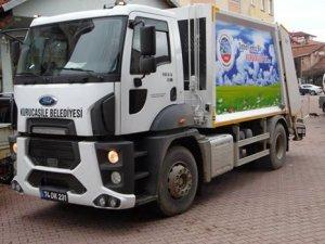 Çöp kamyonu hibe edildi