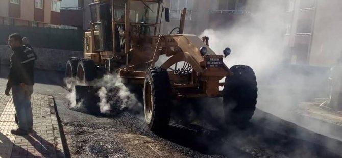 Ara sokaklar sıcak asfalt ile düzenleniyor