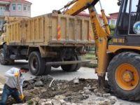 225. Sokağa kanalizasyon hattı yapılıyor