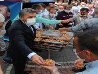 AK Parti Ayasofya için lokma dağıttı