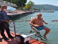 Engellilerin denize girebilmesi için özel asansör yapıldı