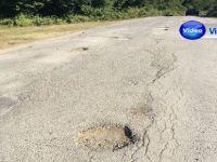 Yollarda oluşan çukurlar sürücüleri zora sokuyor