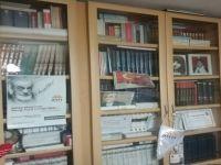 Kütüphanesini Belediyeye Bağışladı