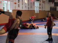 5 öğrenci ülkemizi Avrupa Güreş Şampiyonası'nda temsil edecek
