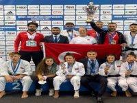 Bartın Üniversitesi öğrencisi Hasret Bozkurt, milli takımı madalyaya taşıdı