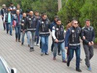 13 şüpheliden 8'i tutuklandı