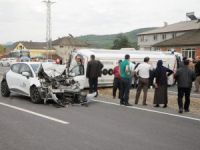 Bartın'da Yolcu Minibüsü İle Otomobil Çarpıştı: 8 Yaralı