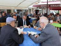 Kaymakam Kahvehanede Vatandaşlarla Kitap Okudu
