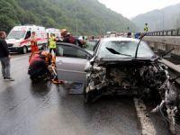 Tem Otoyolunda Trafik Kazası: 3 Yaralı