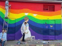 Güzel Sanatlar Öğrencileri Trafo Binasını Renklendirdi