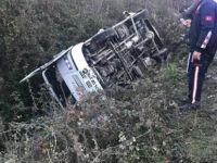 Bartın'da Otomobil İşçi Servisine Çarptı: 16 Yaralı