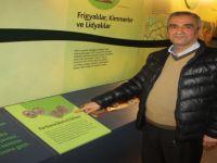 Araştırmacı Yazar Asma, paha biçilemeyen Parthena(Bartın) Sikkesini müzeye bağışladı