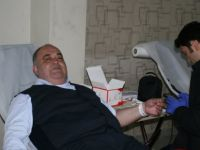 AK Parti'den Mehmetçiğe kan bağışı