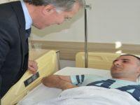Eski TBMM Başkanı Şahin, yaralı askerlere ziyarette bulundu