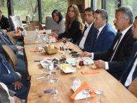 Yaşlılar Günü'nde AK Parti'den anlamlı kahvaltı