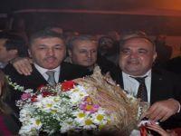 Bartın Belediye Başkan Adayı Aldatmaz, çiçeklerle karşılandı