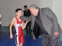 Tunç ve Aldatmaz'dan Bartın Çok Amaçlı Spor Merkezi'ne ziyaret
