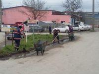 Sanayi Sitesinde yabani ot temizleme çalışması yapıldı