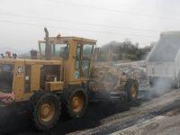 Hürriyet mahallesi 233. Sokak sıcak asfalt ile düzenleniyor