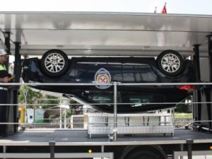 750 kişi simülasyon aracına binerek kaza anını yaşadı